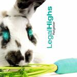 Ein Hase frisst eine blaue Karotte wird zum Versuchskaninchen mit leuchtend türkisenen Augen Titelseite des Research-Chemical-Legal-Highs-Ratgeber-von-mindzone.